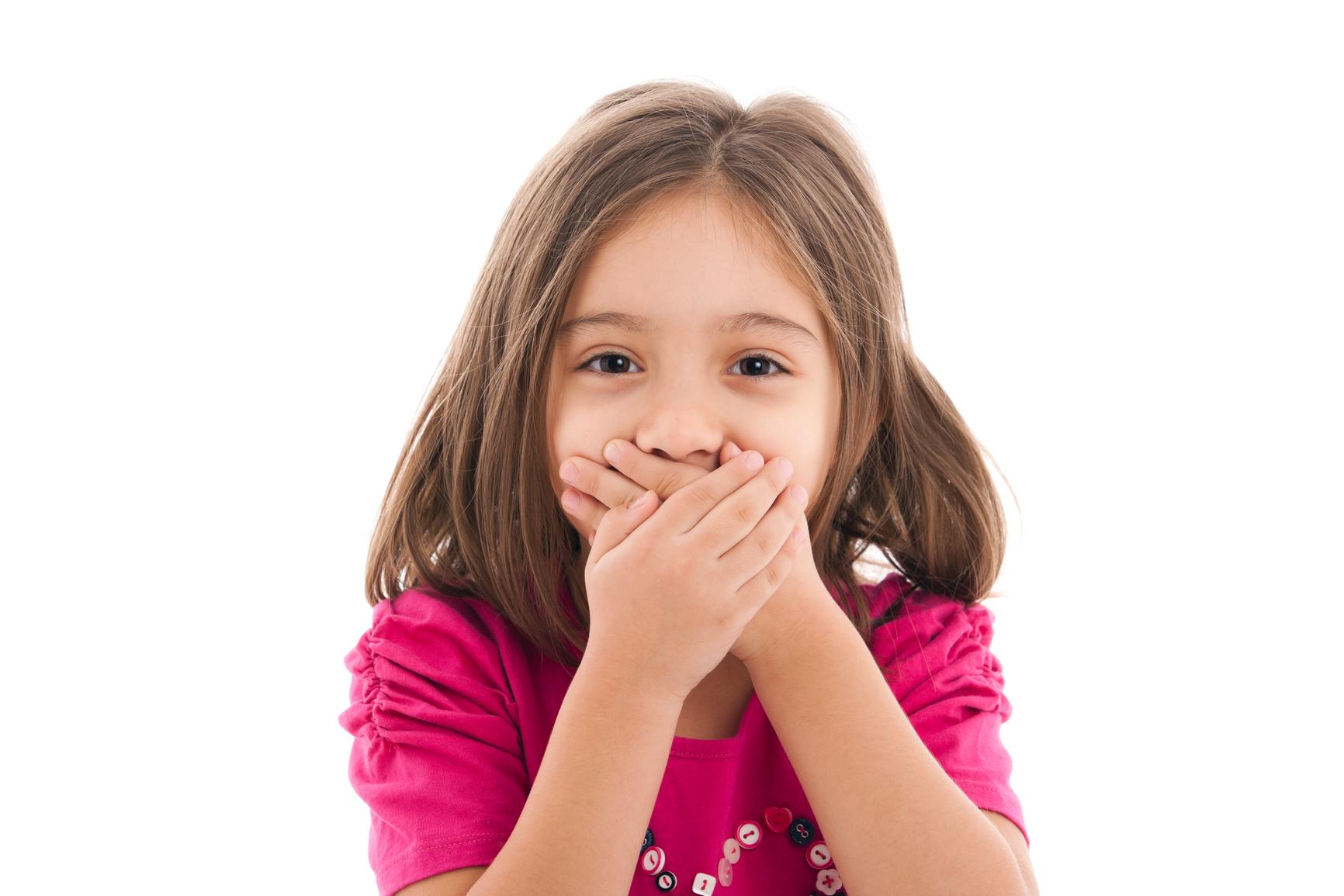 Почему у маленького ребенка неприятный запах изо рта